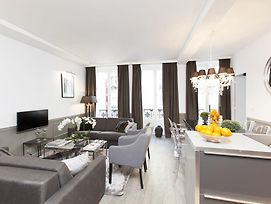 Luxury 3 Bedrooms Grands-Boulevards I By Livinparis photos Room