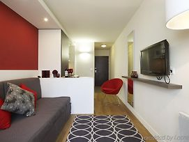 Citadines Maine Montparnasse Paris photos Room