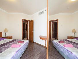 Leonardo Suite Bat Yam photos Room