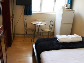 Commercial Rd Homestay photos Room