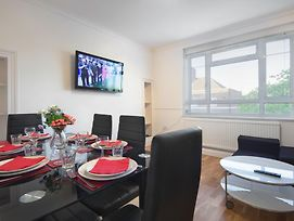 Central London 2 Bedroom Apartment photos Room