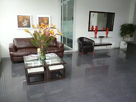 Suites Miraflores Jose Gabriel Chariarse photos Room