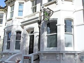 Brighton Youthful Hostel.....By The Sea photos Exterior
