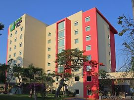 Holiday Inn Express & Suites Cuernavaca photos Exterior
