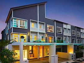 Luxury Villas @ 2 Permai photos Exterior