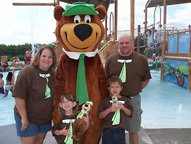 Yogi Bear'S Jellystone Park Camp Resort Wisconsin Dells photos Exterior