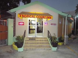Tropical Court Inn New Kingston photos Exterior