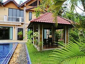 Bangtao Holiday Villa photos Exterior