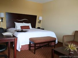 Hampton Inn Galax photos Room