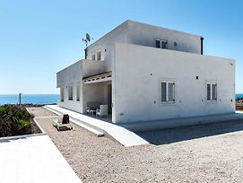 A Luxurious Villa At Portopalo Di Capo Passero Sicily photos Exterior