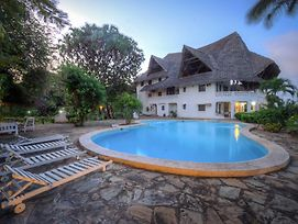 Le Chateau B&B Malindi photos Exterior