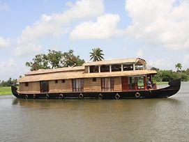 Angel Queen Houseboats photos Room