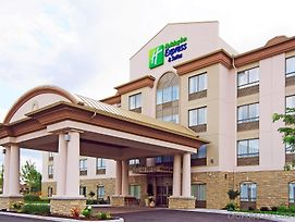 Holiday Inn Express Hotel & Suites Ottawa Airport photos Exterior