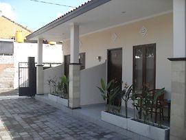 Gendis Hotel And Guest House photos Exterior