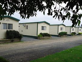 Prom Central Caravan Park photos Room