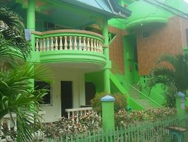 Boarding House Boracay photos Exterior