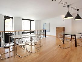 Large Guell Apartments photos Room