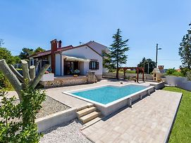 Holiday Home Mestrovic photos Exterior