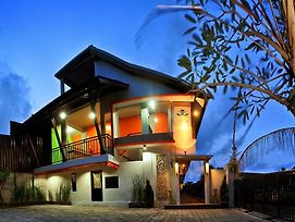 Amerta Homestay photos Exterior
