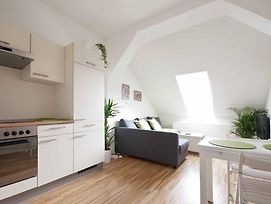 Helles & Freundliches City-Apartment photos Room
