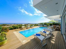Beachfront Villa Balsa photos Exterior