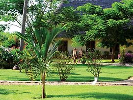 Sandies Neptune Pwani Beach photos Exterior