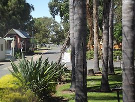 West Wyalong Caravan Park photos Exterior