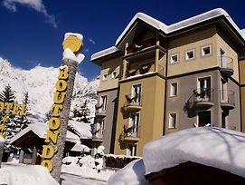 Hotel Bouton D'Or - Courmayeur photos Exterior