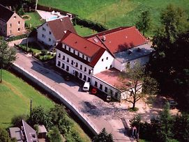 Landhotel Goldener Lowe Mit Pension Am Taurastein photos Exterior