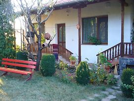 Guest House With The Wooden Plough photos Exterior