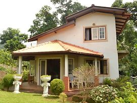 Guest House Sujatha photos Exterior