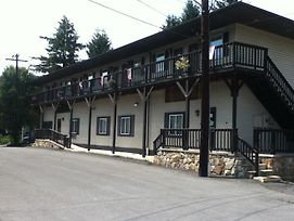 Yough Valley Motel photos Exterior