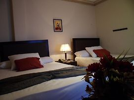 Star Plaza Guesthouse And Apartments photos Room