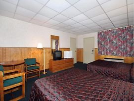 Econo Lodge Beavercreek photos Room