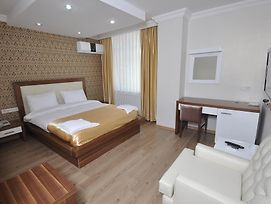Savis Hotel photos Room
