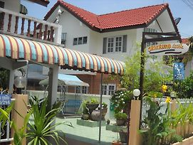 Sri Krung Guest House photos Exterior