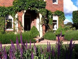 Ellesmere House Bed & Breakfast photos Exterior