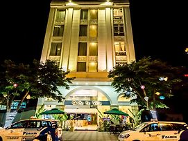 Suite De Ville Da Nang Beach photos Exterior