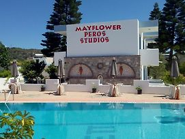 Mayflower Peros Studios photos Exterior