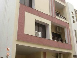Sadhna Guest House photos Exterior