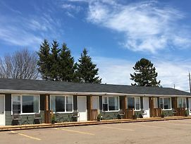 Royalty Maples Cottages And Motel photos Exterior
