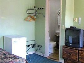 Budget Inn Lake George photos Room