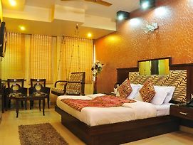Hotel Shivdev International photos Room