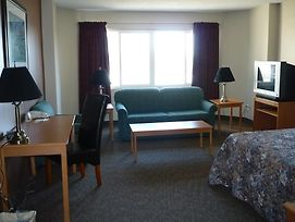 Alberta Place Suite Hotel photos Room