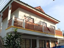 Ban Best One Guest House photos Exterior