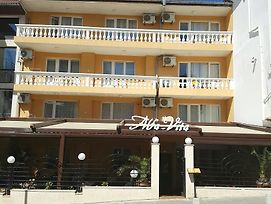 Family Hotel Alfa Vita photos Exterior