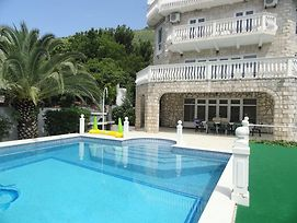 Petrovac Villa With Pool photos Exterior