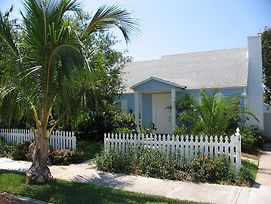 Coco Palm Cottage Idyllic Spot By The Beach photos Exterior