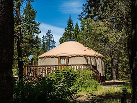Bend Sunriver Camping Resort 24 Ft. Yurt 12 photos Exterior