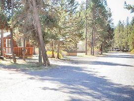 Bend Sunriver Camping Resort Two Bedroom Cabin 5 photos Exterior